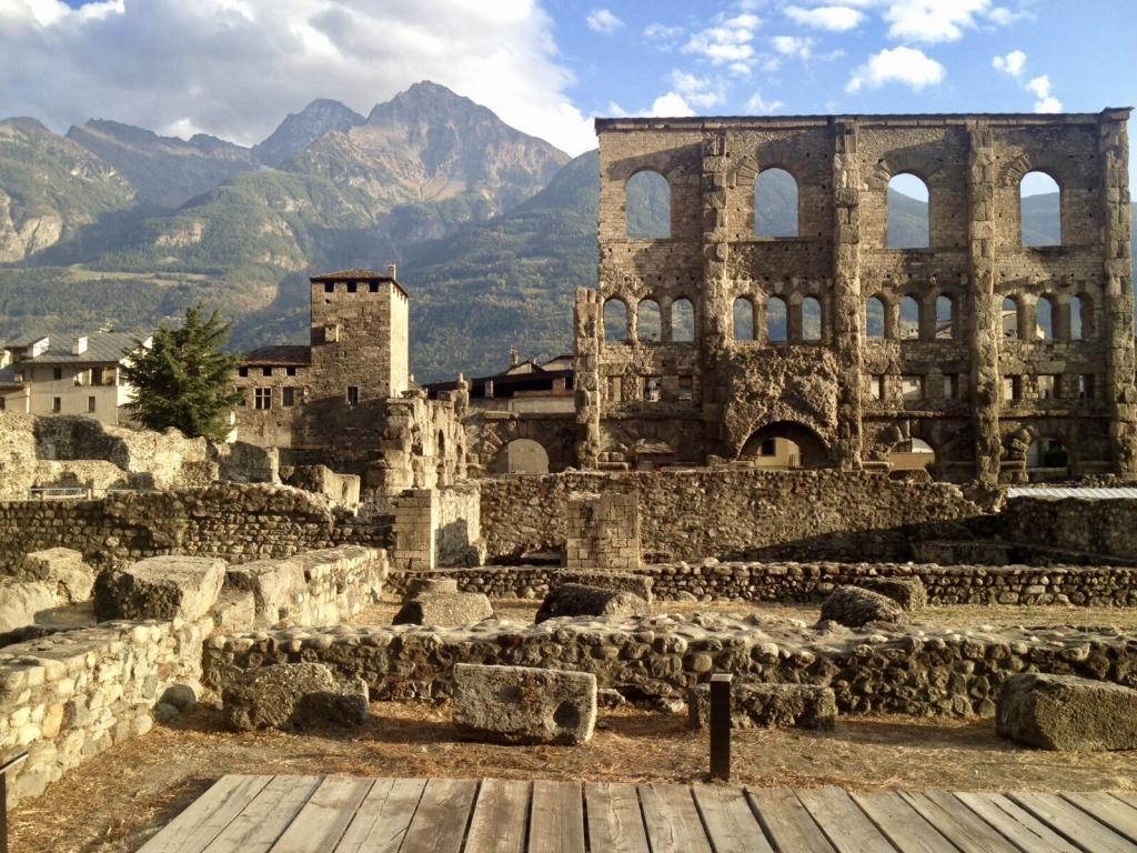 Aosta_AnfiteatroRomano_2_Lovera_2017_ClubCulturaClassica
